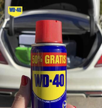 Как да почистим арматурното табло. Решения с WD40.